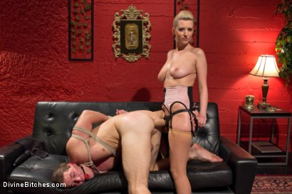 Photo number 9 from Girl Boss shot for Divine Bitches on Kink.com. Featuring Kip Johnson and Cherry Torn in hardcore BDSM & Fetish porn.