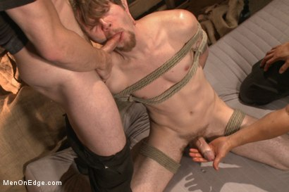 Stud taken from a straight porn shoot and made to suck cock