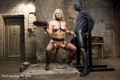 Photo number 2 from Anal MILF Training Holly Heart Day 3 shot for The Training Of O on Kink.com. Featuring Holly Heart and Owen Gray in hardcore BDSM & Fetish porn.