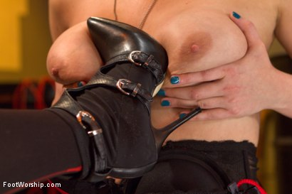 Photo number 14 from Bootlicking Babes Part 1 shot for Foot Worship on Kink.com. Featuring Cherry Torn and Lorelei Lee in hardcore BDSM & Fetish porn.