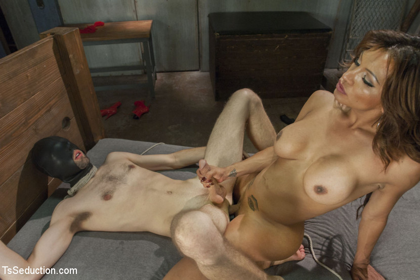 Video nake girl boy