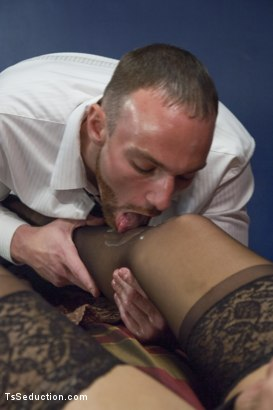 Photo number 3 from Body Guard Porn: TS Aubrey Kate & Her Man shot for TS Seduction on Kink.com. Featuring Aubrey Kate and Jimmy Bullet in hardcore BDSM & Fetish porn.