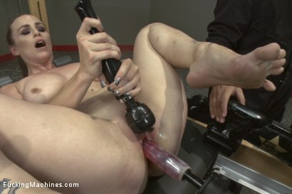 Photo number 12 from Hardcore Gym Glass Workout: Bella Rossi trains  Rookie, Cassidy Klein shot for Fucking Machines on Kink.com. Featuring Cassidy Klein and Bella Rossi in hardcore BDSM & Fetish porn.