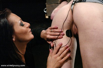 Photo number 9 from Calico and Sandra Romain shot for Wired Pussy on Kink.com. Featuring Calico and Sandra Romain in hardcore BDSM & Fetish porn.