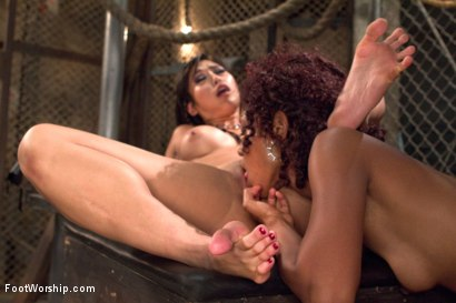Photo number 15 from Lotus Lain and Mia Li are Hot FOR FEET AND PUSSY! shot for Foot Worship on Kink.com. Featuring Lotus Lain and Mia Little in hardcore BDSM & Fetish porn.