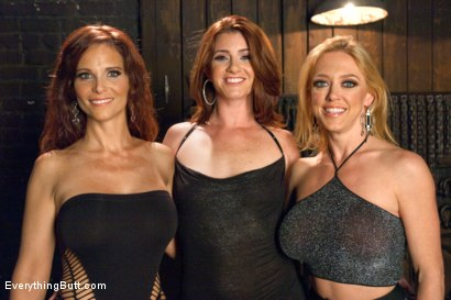 Photo number 15 from Anal Alley shot for Everything Butt on Kink.com. Featuring Dee Williams, CiCi Rhodes and Syren de Mer in hardcore BDSM & Fetish porn.