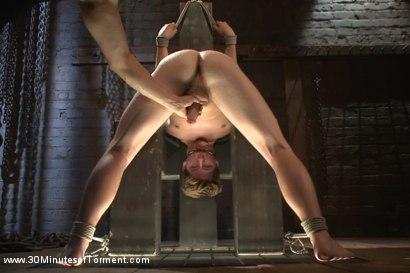 Pain slut Dakota Wolfe takes the 30MT Challenge