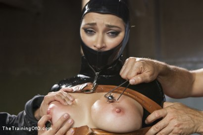 Photo number 4 from The Objectification of Dani Daniels shot for The Training Of O on Kink.com. Featuring Dani Daniels and Tommy Pistol in hardcore BDSM & Fetish porn.