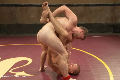 Photo number 2 from Last Semi Final Match of the Summer Smackdown Tournament!!! shot for Naked Kombat on Kink.com. Featuring Eli Hunter and Doug Acre in hardcore BDSM & Fetish porn.