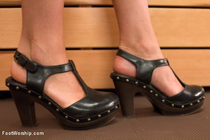 Photo number 3 from Sweaty Sauna Feet Fuck shot for Foot Worship on Kink.com. Featuring Missy Minks and Emma Haize in hardcore BDSM & Fetish porn.