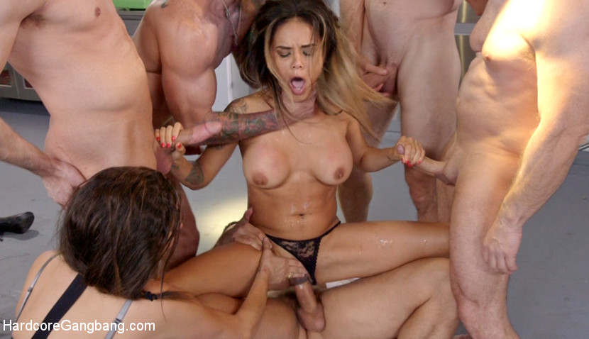 Donna Dolore Gangbang