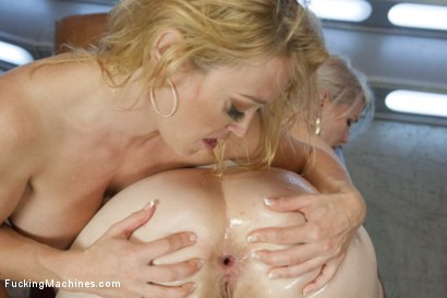 Photo number 11 from So Much FUCKING  Wet, Sexy, 2 Girl Sensational Sex w/Darling& Ela Nova shot for Fucking Machines on Kink.com. Featuring Dee Williams and Ella Nova in hardcore BDSM & Fetish porn.