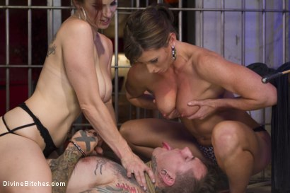 Photo number 11 from Sex Worker Revenge shot for Divine Bitches on Kink.com. Featuring Ruckus, Ariel X and Bella Rossi in hardcore BDSM & Fetish porn.