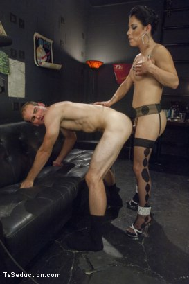 Photo number 9 from Gonna Make Love in this Club - Laela Knight Fucks a Line Jumper shot for TS Seduction on Kink.com. Featuring Laela Knight and Jonah Marx in hardcore BDSM & Fetish porn.