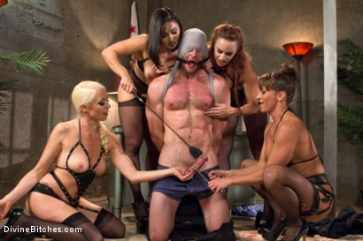 Photo number 4 from Relentless shot for Divine Bitches on Kink.com. Featuring Lea Lexis, Jonah Marx, Bella Rossi, Ariel X and Lorelei Lee in hardcore BDSM & Fetish porn.