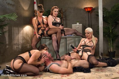 Photo number 13 from Relentless shot for Divine Bitches on Kink.com. Featuring Lea Lexis, Jonah Marx, Bella Rossi, Ariel X and Lorelei Lee in hardcore BDSM & Fetish porn.