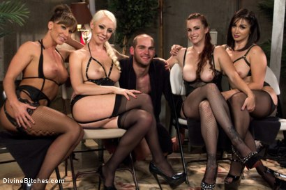 Photo number 6 from Relentless shot for Divine Bitches on Kink.com. Featuring Lea Lexis, Jonah Marx, Bella Rossi, Ariel X and Lorelei Lee in hardcore BDSM & Fetish porn.