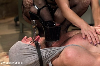 Photo number 10 from Relentless shot for Divine Bitches on Kink.com. Featuring Lea Lexis, Jonah Marx, Bella Rossi, Ariel X and Lorelei Lee in hardcore BDSM & Fetish porn.
