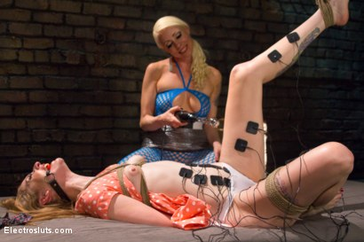 Photo number 5 from Ela and the Electricity: A Reunion shot for Electro Sluts on Kink.com. Featuring Lorelei Lee and Ela Darling in hardcore BDSM & Fetish porn.