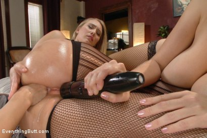 Photo number 8 from Big Ass Anal Sluts shot for Everything Butt on Kink.com. Featuring Lea Lexis, AJ Applegate and Alex Chance in hardcore BDSM & Fetish porn.