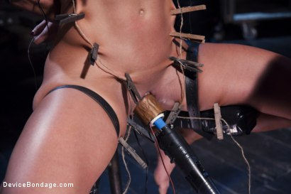 Photo number 14 from The Ultimate Surrender!!! shot for Device Bondage on Kink.com. Featuring Orlando and Ariel X in hardcore BDSM & Fetish porn.