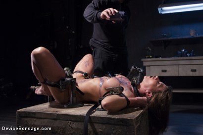 Photo number 5 from The Ultimate Surrender!!! shot for Device Bondage on Kink.com. Featuring Orlando and Ariel X in hardcore BDSM & Fetish porn.
