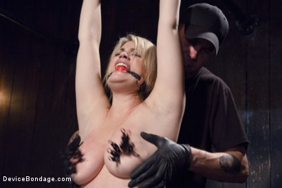 Photo number 2 from Cunt Punisher shot for Device Bondage on Kink.com. Featuring Winnie Rider in hardcore BDSM & Fetish porn.