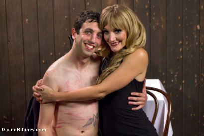 Photo number 7 from Deviant Tart shot for Divine Bitches on Kink.com. Featuring Mona Wales and Jay West in hardcore BDSM & Fetish porn.