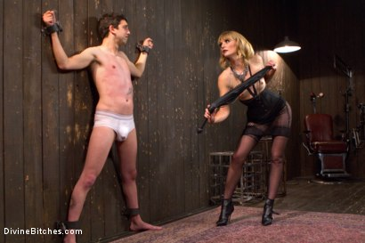 Photo number 12 from Deviant Tart shot for Divine Bitches on Kink.com. Featuring Mona Wales and Jay West in hardcore BDSM & Fetish porn.