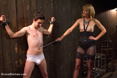 Photo number 15 from Deviant Tart shot for Divine Bitches on Kink.com. Featuring Mona Wales and Jay Wimp in hardcore BDSM & Fetish porn.