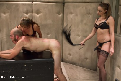 Photo number 5 from Women Rule The World shot for Divine Bitches on Kink.com. Featuring Chanel Preston, Ariel X and Jonah Marx in hardcore BDSM & Fetish porn.
