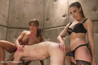 Photo number 7 from Women Rule The World shot for Divine Bitches on Kink.com. Featuring Chanel Preston, Ariel X and Jonah Marx in hardcore BDSM & Fetish porn.