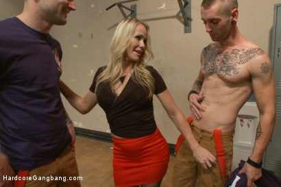 Photo number 7 from It takes five thick fire hoses to drench Simone Sonay's hot MILF cunt shot for Hardcore Gangbang on Kink.com. Featuring Tommy Pistol, John Strong, Gage Sin, Mr. Pete, Simone Sonay and Alex Legend in hardcore BDSM & Fetish porn.