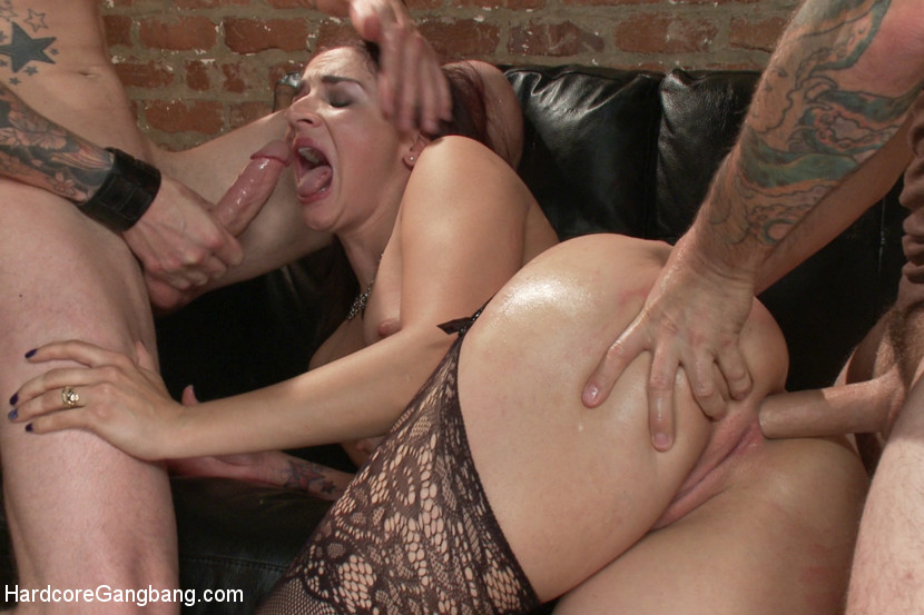 [HardcoreGangbang] Dirty girlfriend Sheena Ryder gets covered in cum