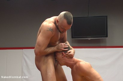 """Photo number 5 from Ivan """"The Terrible"""" Gregory vs Jessie """"Cut-Throat"""" Colter  shot for Naked Kombat on Kink.com. Featuring Jessie Colter and Ivan Gregory in hardcore BDSM & Fetish porn."""