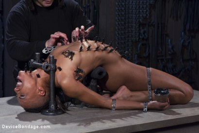 Photo number 12 from Keep Begging! shot for Device Bondage on Kink.com. Featuring Orlando and Nikki Darling in hardcore BDSM & Fetish porn.