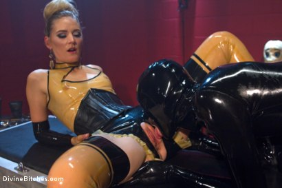 Photo number 14 from Slippery When Wet shot for Divine Bitches on Kink.com. Featuring Mona Wales and Tony Orlando in hardcore BDSM & Fetish porn.