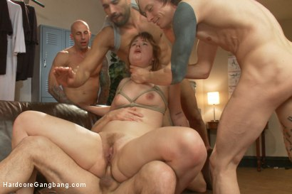 Photo number 19 from Five Sweaty Athletes Take Down Gorgeous Big Booty Slut shot for Hardcore Gangbang on Kink.com. Featuring Claire Robbins, John Strong, Owen Gray, Astral Dust, Gage Sin and Karlo Karrera in hardcore BDSM & Fetish porn.