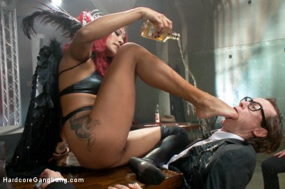 Photo number 10 from Is It Worth Your Soul?? Sexy Succubus hell bent on gang-bang to top them all!! shot for Hardcore Gangbang on Kink.com. Featuring Daisy Ducati, Owen Gray, Karlo Karrera, Tommy Pistol, Bill Bailey and Bradley Remington in hardcore BDSM & Fetish porn.