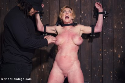 Photo number 13 from Darling's Decimation! shot for Device Bondage on Kink.com. Featuring Orlando and Dee Williams in hardcore BDSM & Fetish porn.