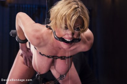Photo number 4 from Darling's Decimation! shot for Device Bondage on Kink.com. Featuring Orlando and Dee Williams in hardcore BDSM & Fetish porn.
