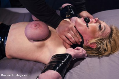 Photo number 8 from Darling's Decimation! shot for Device Bondage on Kink.com. Featuring Orlando and Dee Williams in hardcore BDSM & Fetish porn.