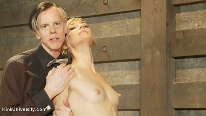 Photo number 4 from Oral Sex the Dominant Way - Blowjobs and Cunnilingus shot for Kink University on Kink.com. Featuring Mona Wales and Danarama in hardcore BDSM & Fetish porn.
