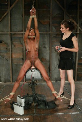 Photo number 8 from Stacey Cash shot for Wired Pussy on Kink.com. Featuring Stacey Cash in hardcore BDSM & Fetish porn.