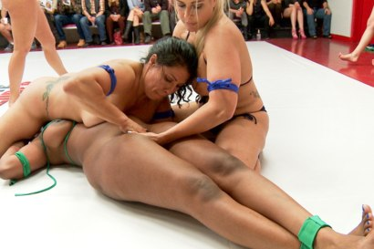 Photo number 14 from Team Tarrasque is Dominated on the Mats by Team Grappler shot for Ultimate Surrender on Kink.com. Featuring Dee Williams, Lisa Tiffian, Angel Allwood, Penny Barber, Jayogen and Izamar Gutierrez in hardcore BDSM & Fetish porn.