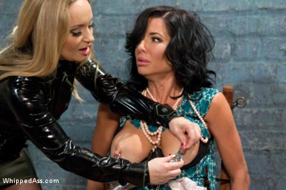 Photo number 4 from MILF Squirts for Hours: Veronica Avluv double fisted, anally fucked! shot for Whipped Ass on Kink.com. Featuring Aiden Starr and Veronica Avluv in hardcore BDSM & Fetish porn.