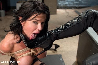 Photo number 9 from MILF Squirts for Hours: Veronica Avluv double fisted, anally fucked! shot for Whipped Ass on Kink.com. Featuring Aiden Starr and Veronica Avluv in hardcore BDSM & Fetish porn.