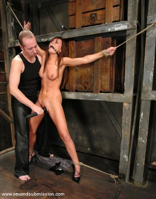Photo number 2 from Holly Wellin and Chris Charming shot for Sex And Submission on Kink.com. Featuring Chris Charming and Holly Wellin in hardcore BDSM & Fetish porn.