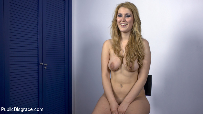 Hanna montada takes a big cock in her from behind 10