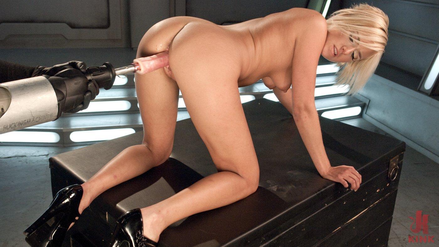 nude female bodybuilder gives handjob